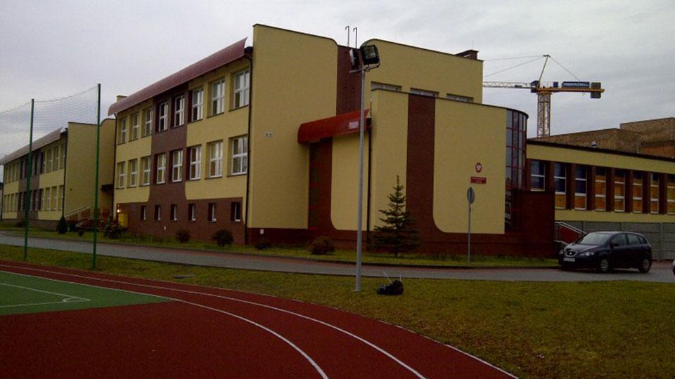Budowa szkoły podstawowej i hali sportowej w Poczesnej